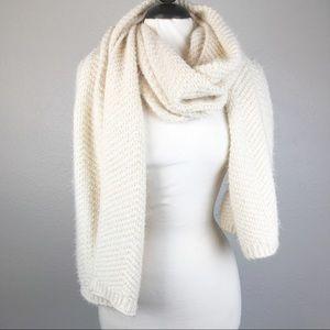 Soft Cozy Cream Chevron Knit Eyelash Scarf